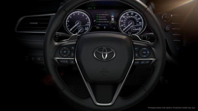 Фото салона Toyota Camry 2018