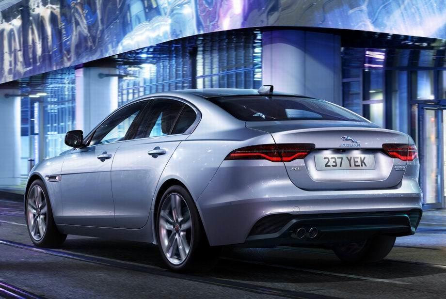 Новый Jaguar XE 2019