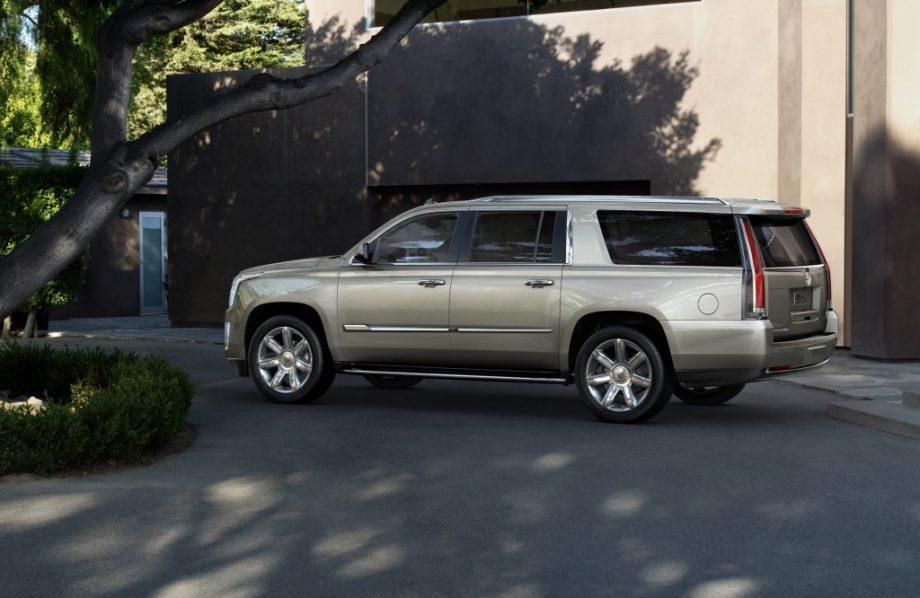 Новый Cadillac Escalade ESV 2020