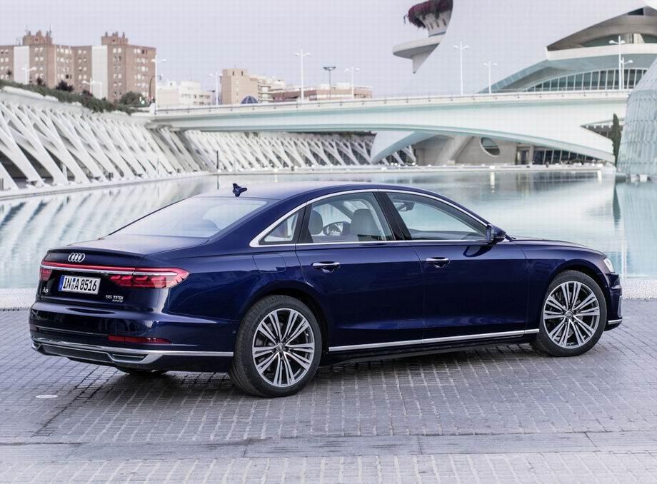 Audi A8 2019 года
