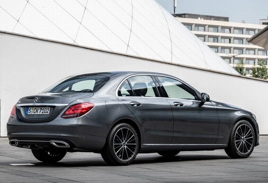 Mercedes C-Class 2020 года
