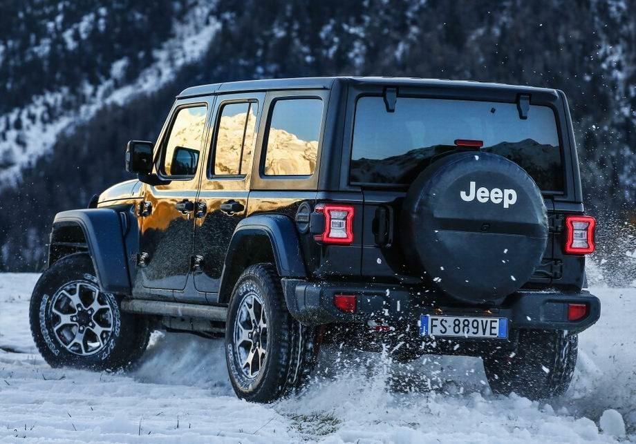 Jeep Wrangler 2020 года