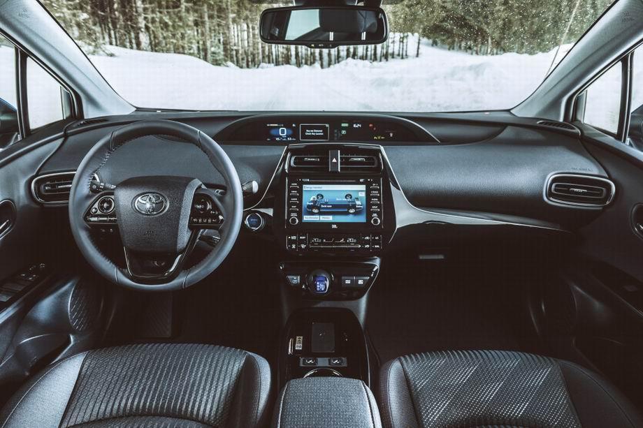 Салон Toyota Prius XW50