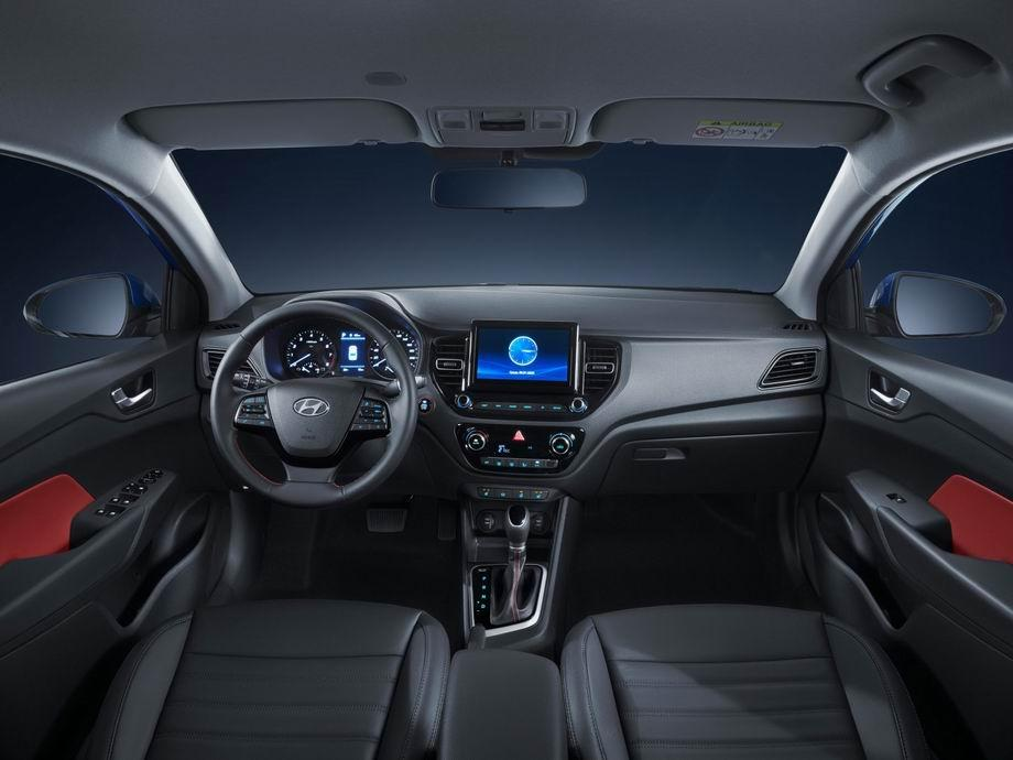 Салон Hyundai Solaris 2020