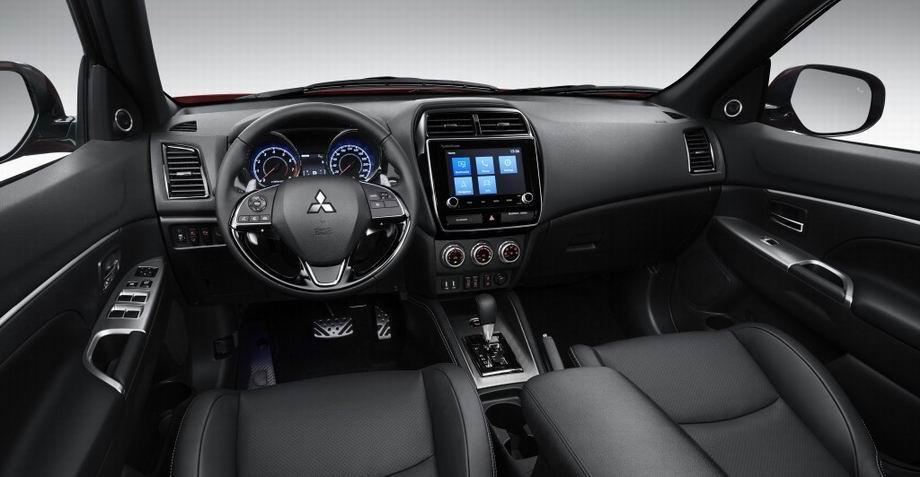 Салон Mitsubishi ASX 2021