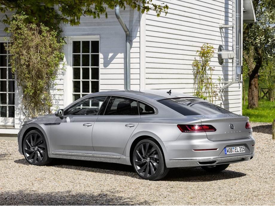 Новая модель Volkswagen Arteon 2020 года