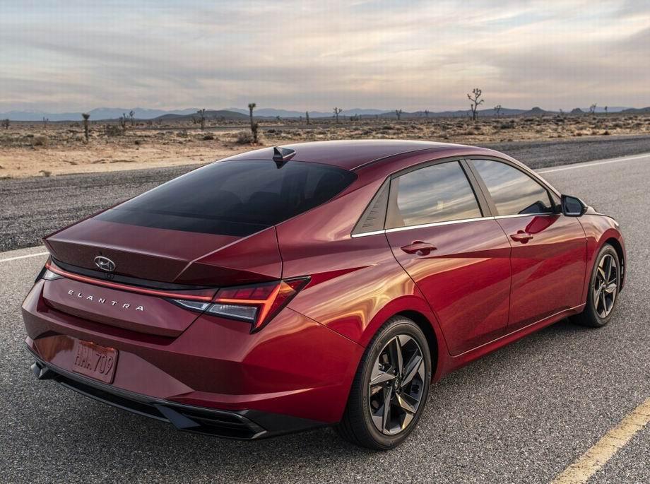 Hyundai Elantra 2021 в новом кузове