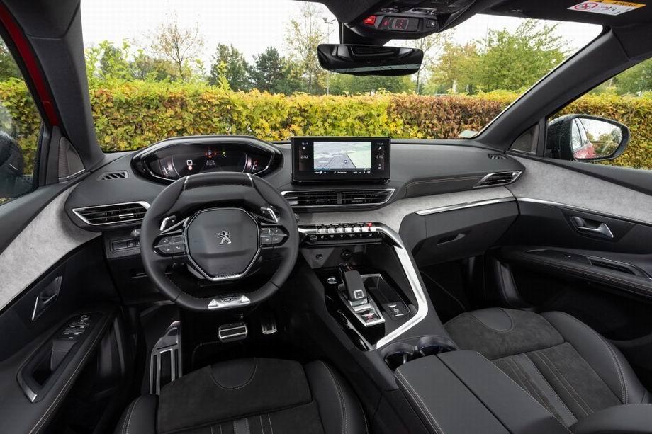 Салон нового Peugeot 3008 II